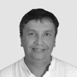 Juan Fernando Economist